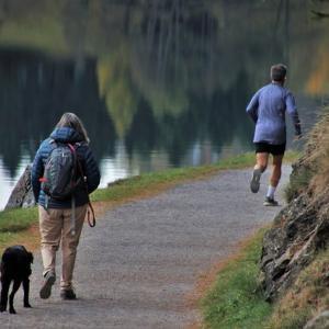 走ると歩くって何が違うか説明できます?