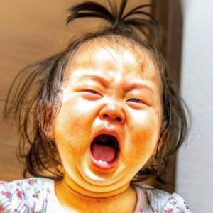 我が子ながら泣き顔がひどいブサイク