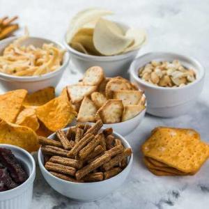 ダイエット中におすすめのおやつ9選!管理栄養士が太りにくいおやつを選ぶポイントを徹底解説❗️