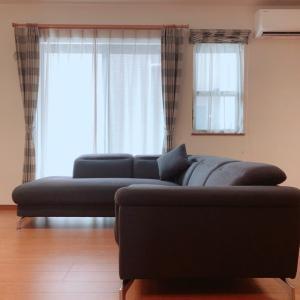 絶対動かない!ソファを部屋の真ん中に置く方法!