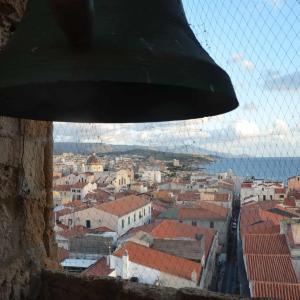 アルゲーロ大聖堂の鐘楼に上って、ピンチョスを食べる