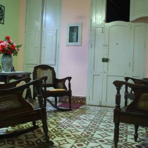 トリニダで、サルサ教室と家庭料理
