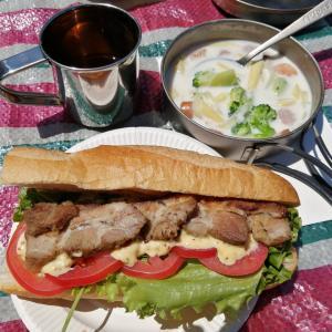 バーナークッキングでサンドイッチとスープパスタ