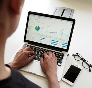 ブログ初心者がブログ開設から1ヶ月データ公開!「ドメインパワーは?PVは?収益は?」