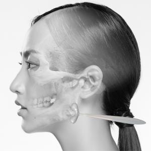 顔の骨やせを阻止する「下顎骨ツボタッピング」