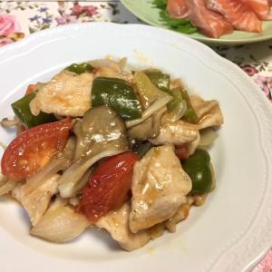 鶏ムネ肉のトマト炒め