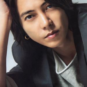 山下智久(35)が、ホテルに未成年JKモデル(17)と深夜に親密な関係?