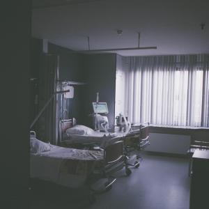 看護師の夜勤の仕事とその流れを教えて?