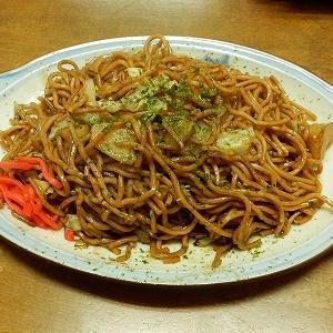 ポテト入り焼きそばとイモフライ「きくち」栃木県足利市