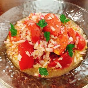 『トマトと紫玉ねぎのマリネ』レシピ付き