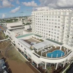 市街地まで徒歩10分絶好のロケーション ホテルアトールエメラルド宮古島