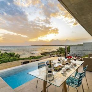 渡口の浜の美しい絶景  D's GROW RESORT Infinity Pool Villa