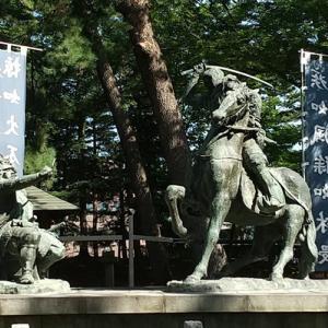 【川中島古戦場】信玄・謙信一騎討ちの像は迫力満点