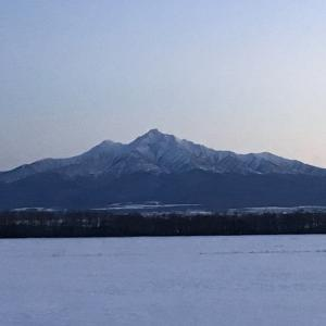 今日の斜里岳 2021年1月24日 知床(斜里町)に流氷が来て、空気が澄み山がキレイ