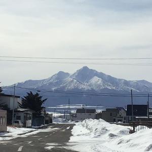 今日の斜里岳 2021年2月28日 今年も雪が少なかった斜里町