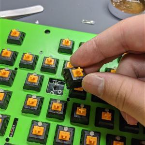 特定のキーが効かないジャンクメカニカルキーボードの修理