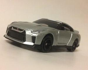 GT-R、実車と違うじゃん・・・・あ、エラーなの?