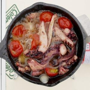 【デイキャンプ】イカの缶詰を使った簡単料理「イカのアヒージョ」がおすすめ