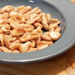 【お家で燻製】簡単!ナッツの燻製を作ってみた。