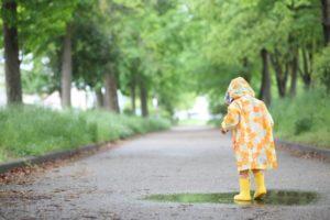 雨でも諦めないで楽しく過ごせるキャンプ場の選び方!