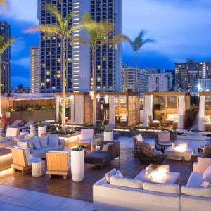 はじめてのハワイにオススメのラグジュアリーホテル「アロヒラニ・リゾート・ワイキキ・ビーチ」