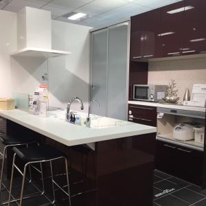 キッチンメーカーの食器棚VS置き家具 メリット・デメリット