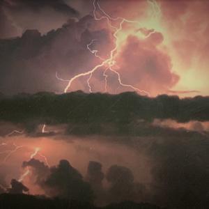 夏山シーズンを前に落雷の恐ろしさ~恐怖体験~