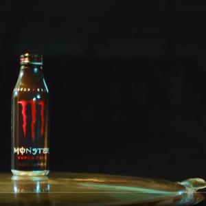 【大容量】エナドリ最新作モンスタースーパーコーラがコーラ界で断トツにウマい!