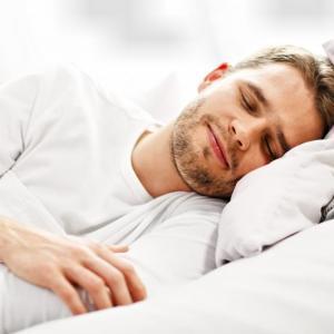 疲れが数倍も取れる睡眠法【睡眠の重要性についても解説】