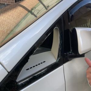 子どもが車内に閉じ込められた!