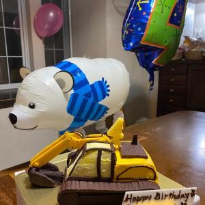 渾身の3Dケーキでお祝い♪