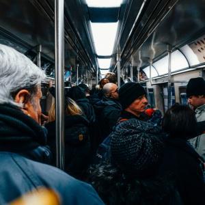 電車通勤1時間半の実態とは【経験談】