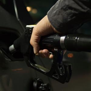 車の給油口、開け方は2種類です。【車種別でまとめました】