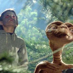 E.T.|ネタバレ結末をあらすじと共に紹介!見どころも!