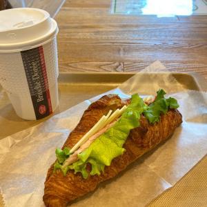 クロワッサンのサンドイッチ