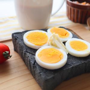 朝ごはんは黒の生食パン