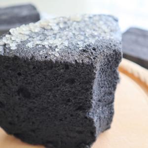 真っ黒なシフォンケーキ