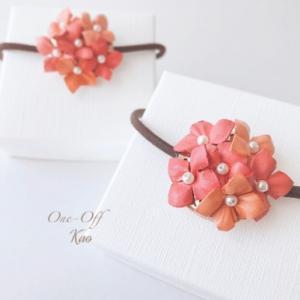 おソロでいかが?優しいふんわりピンクのカランコエ♪革花ヘアゴム
