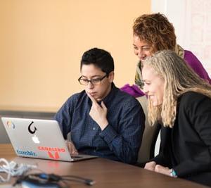 【真実】IT業界の男女比率とは?【意外な職場の雰囲気について解説】