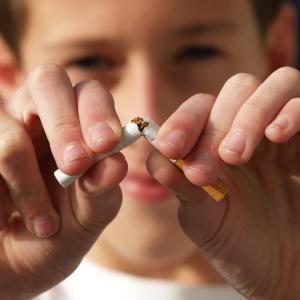 婚活におけるタバコの現実…電子タバコなら良いの?