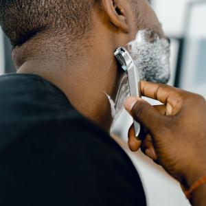 【カミソリ負け予防】ヒゲ剃り後に違和感を感じた時に行うべきこと
