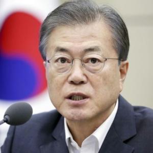 韓国、文政権の支持率が50%を切った理由は(2020年7月)