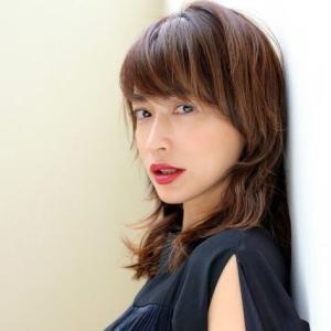 『長谷川京子』インスタグラムにオンザ前髪メイク中写真投稿★