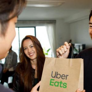 Uber Eatsの受け取り方4パターンを解説!置き配やお持ち帰りの活用法