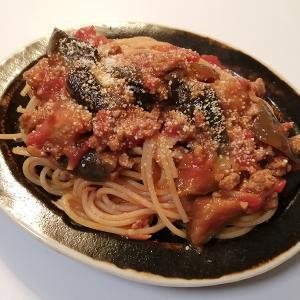 トマトソースとクリームのスパゲッティ