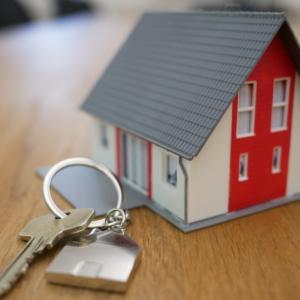 住宅問題のサラリーマン視点をずらすと二項対立を脱してビジネスの本質が見える