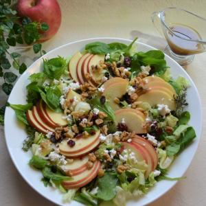 Apple Salad with Balsamic Vinaigrette バルサミコドレッシングのアップルサラダ