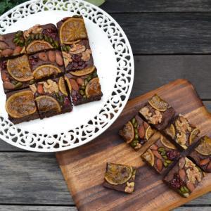 Nut and Fruit Chocolate Brownies ナッツとフルーツが入ったチョコレートブラウニー