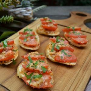 Tomato Crostini トマトクロスティーニ