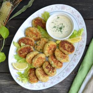 Cod Fish Cakes with Tartar Sauce 白身魚のフィッシュケーキ